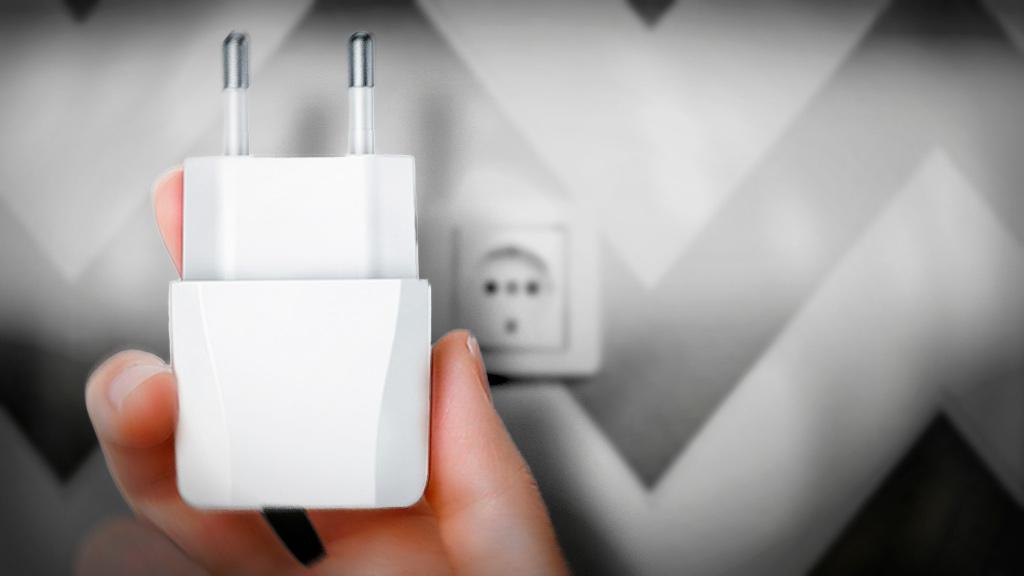Сколько потребляет зарядное устройство телефона и потребляет ли зарядка без телефона вообще?